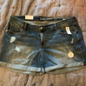 """Old Navy Medium Wash Denim Shorts 3.5"""" NWT Sz 16"""